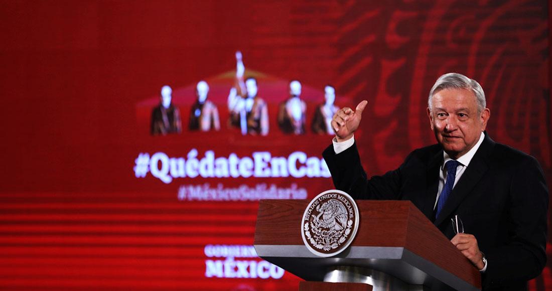 """López Obrador aseguró haber recibido una invitación de Xi Jinping para viajar a China, un viaje que sería """"más adelante"""" y que el Presidente mexicano estudiará bien, ya que tendría que hacer varias escalas para llegar al país asiático, puesto que renunció a tener avión presidencial. Foto: Sáshenka Gutiérrez, EFE"""