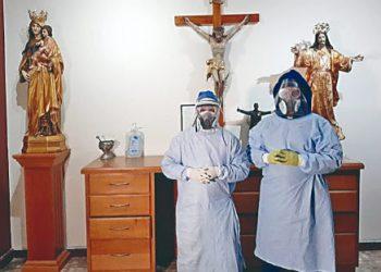 Capellanes Católicos atienden a enfermos de COVID-19, en Dolores Hidalgo