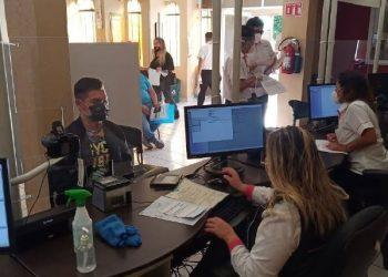 Jóvenes de 17 podrían tramitar antes su credencial para votar en 2021