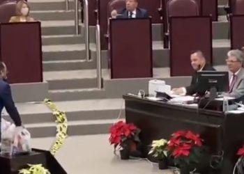 VIDEO: Diputado reta al titular de Sedesol de Veracruz a vivir un mes con despensa de 1,000 pesos