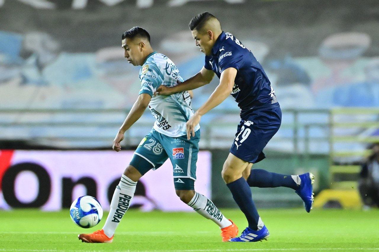 León Chivas 2021